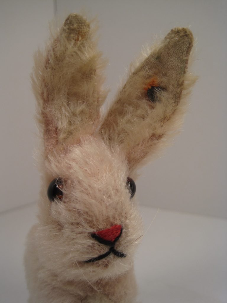 steiff bunny face stitching