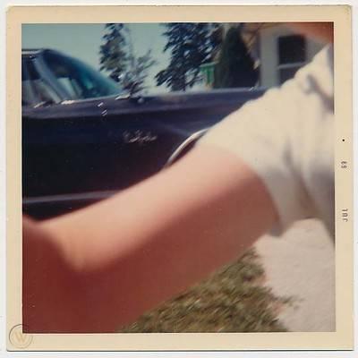 Headless arm attacks camera vtg 60s 1 e4528d2b5bbc918f4300aa08498ede62