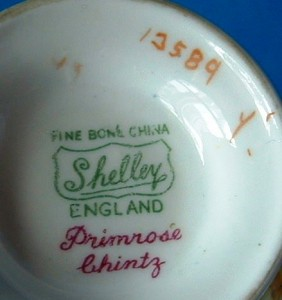"To bottom has the familiar ""Shelley"" marking and the pattern number 13589."