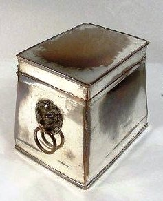 Regency period (circa 1810-1820) Old Sheffield Plate tea caddy. This pieces shows quite a lot of bleeding (wear to top of lid) where the copper is showing through.