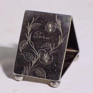 victorian-aurora-silverplate-triangular-bee-napkin-ring-dora