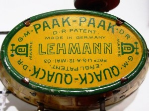 "The bottom of the ""Paak-Paak"" also reads ""Quack-Quack"" for export to England."