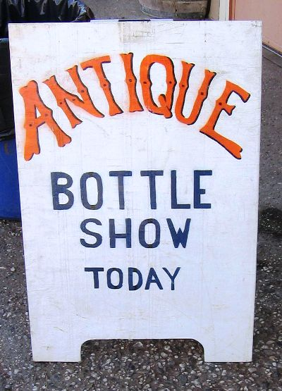 Bottle shows strongly emphasize old or historic bottles, though always have an assortment of other collectibles ranging from glass insulators, to coins and trade tokens, bottle related items (e.g., shot glasses, advertising signs, trade cards).