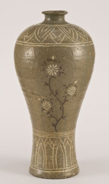 Korean Koryo Dynasty vase