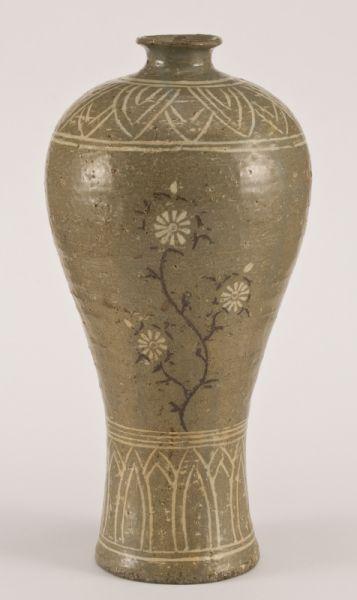 Korean Koryo Dynasty vase