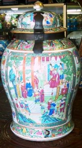 Canton storage jar from Qing Dynasty