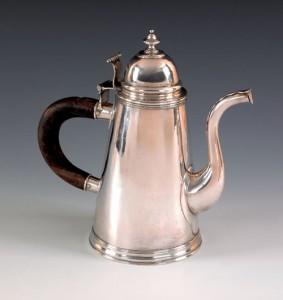Groen tea or chocolate pot