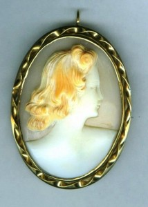 Red-haired lady shell cameo