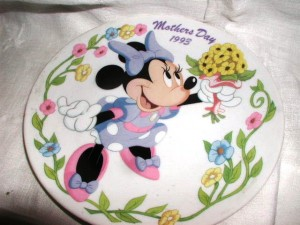 Minnie Mouse Mother's Day plate