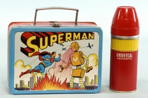 An example of the 1954 Superman lunchbox in question.