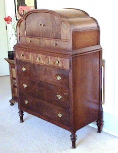 Chifforette – The Depression era version has the doors on top rather than on a side. Often narrow drawers are concealed behind the doors similar to a mid 19th century linen press.