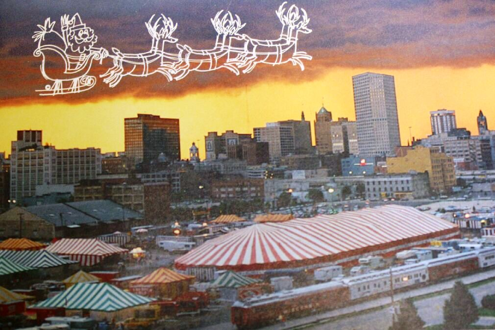 The front of the 1986 Christmas card for Carson & Barnes Circus.