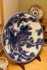 This striking Imari sometsuke plate measures 1 meter in diameter.
