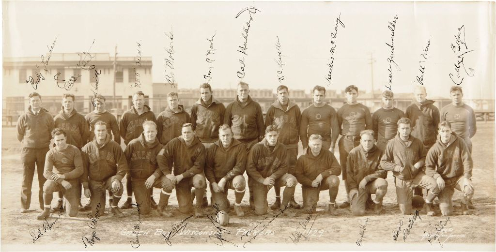 1929 Green Bay Packers Team Signed Panoramic Photograph from Team's First Championship Season