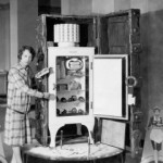 The General Electric Monitor Top refrigerator, when it was first on the market, sold for a steep $300 in 1927. Today, one in good working order can sell between 1,000 and $5,000.