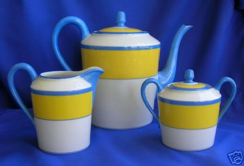 A Haviland Limoges Monet coffee pot, sugar bowl and creamer is listed in the Worthopedia.