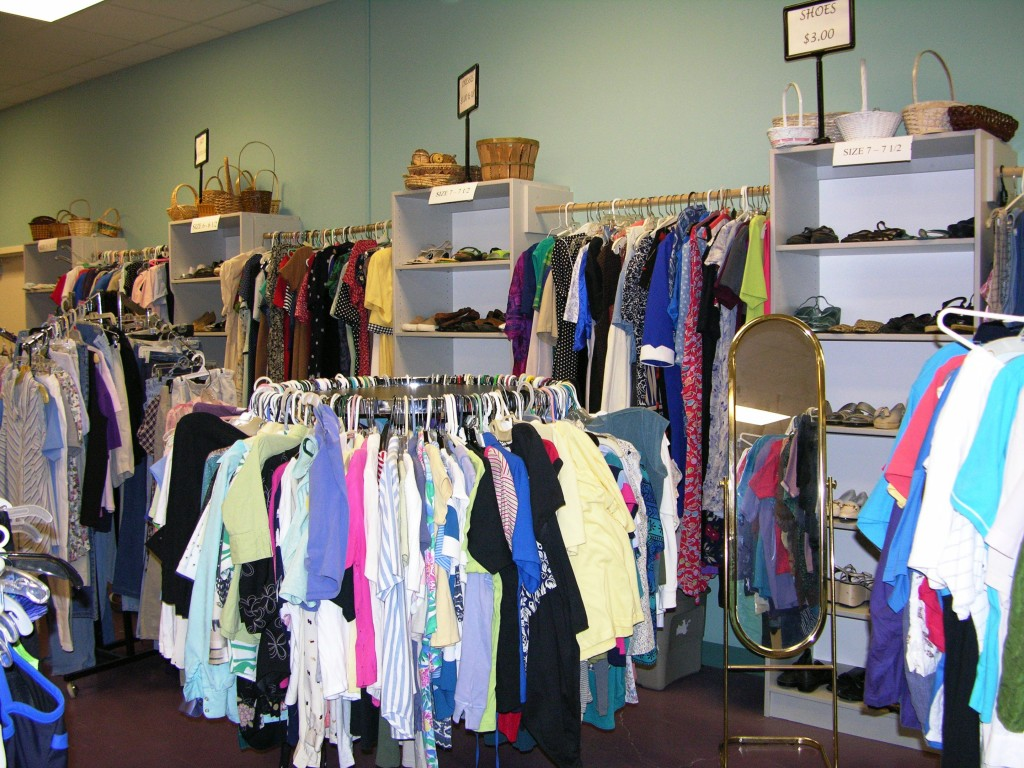 Cheap clothing stores Can you sell clothes to thrift stores
