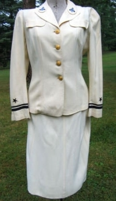 World War II Women's Naval Reserve (WAVE) uniform, it realized $ ...