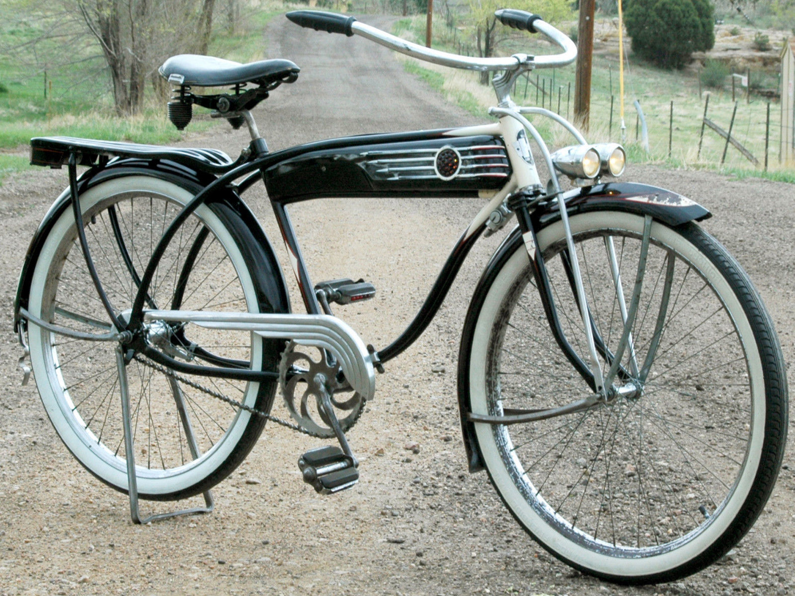 Bikes Schwinn Raleigh Dealers The Schwinn cruiser was the