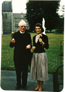 Jacqueline Bouvier met Father Joseph Leonard during a tour of Ireland in 1950, when she was a young, unmarried socialite. They established a close friendship.