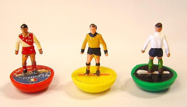 Hand-painted heavyweight figures from the 1960s.