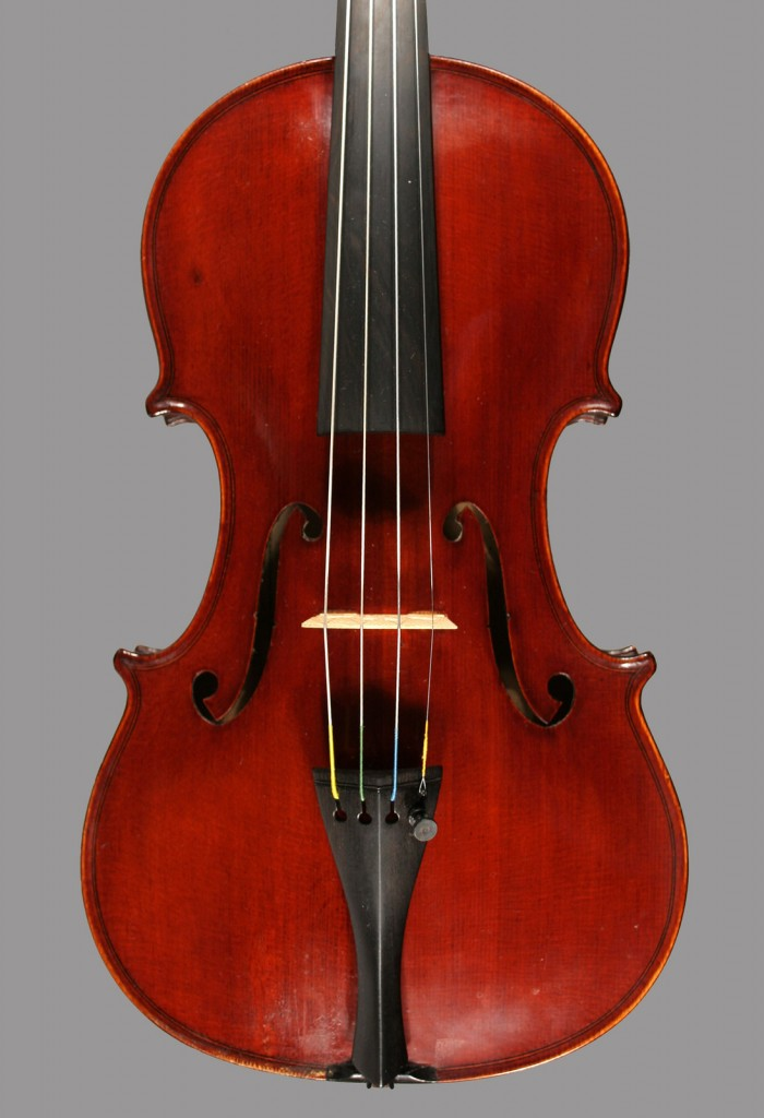 The top of a 1941 Plinio Michetti violin with nice straight grain.