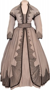"""The blue-gray cotton dress worn by Vivian Leigh in her Academy-Award-winning role as Scarlett O'Hara—which has faded to slate gray today—is one of some 300 items and lots from the James Tumblin Collection of """"Gone With The Wind"""" screen-worn costumes, props and behind-the-scene rarities that will be sold by Heritage Auctions on April 28."""